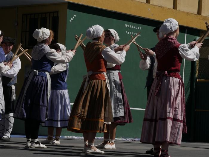 Bizilagun ugari inplikatu dira Lamuza Ikastetxearen 50. urteurrenaren jaian - 25