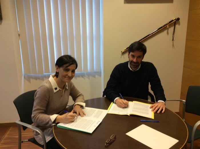 Vicente Ferrer fundazioarekin zuen lankidetzarako hitzarmena berriztatu du Amurrioko Udalak