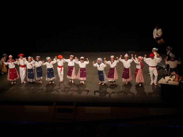 Guk saria jaso du Aiara dantza taldeak - 78