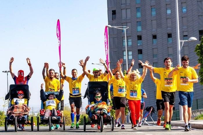 Abel Fernandez eta Ustaritz Zabalondo ataxia telangiectasia duten umeekin egon ziren Martín Fiz maratoian - 2