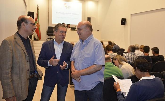 Jon Karla Menoyo, Almudena Otaola, Agurtzane Llano eta Joseba Amondo hautatu ditu EAJk parlamentu eta senaturako