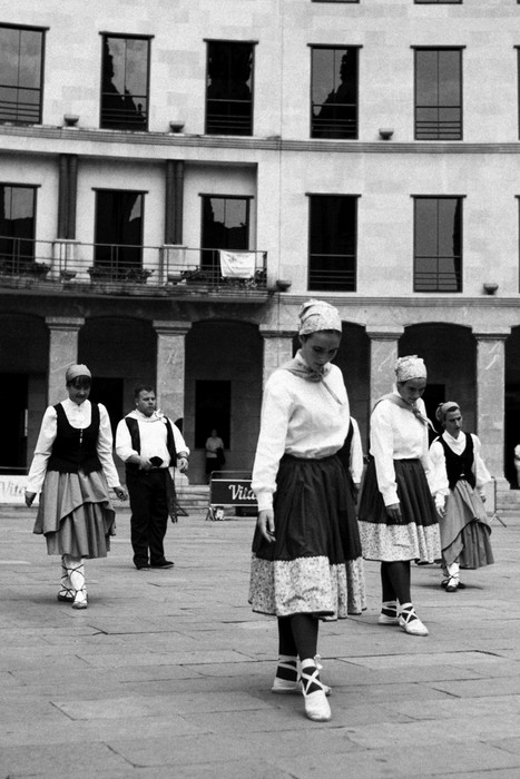 Eguzkilore dantza taldeak erakustaldia egin zuen igandean - 18
