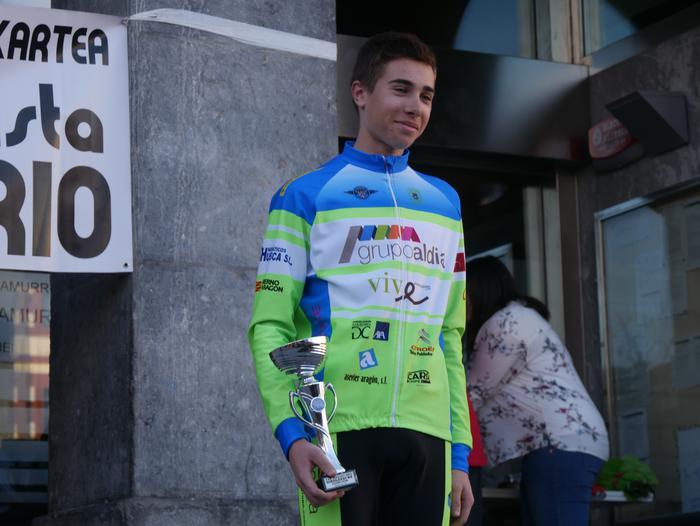 Pablo Fernandezek irabazi zuen sprintean Aiarako Birako lehen etapa - 105