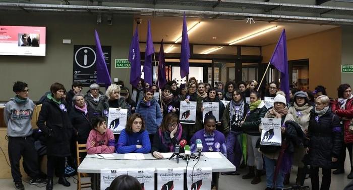Greba feminista antolatzeko eskualdeko emakumeen* sareak, martxan