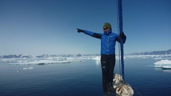[UDARIKLIK] Groenlandian eskalatzeko icebergak ekidin behar izan ditu Zigor Egiak - 24