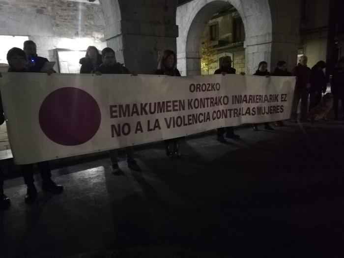 Indarkeria matxistaren aurkako aldarriz bete dituzte eskualdeko kale eta plazak - 93