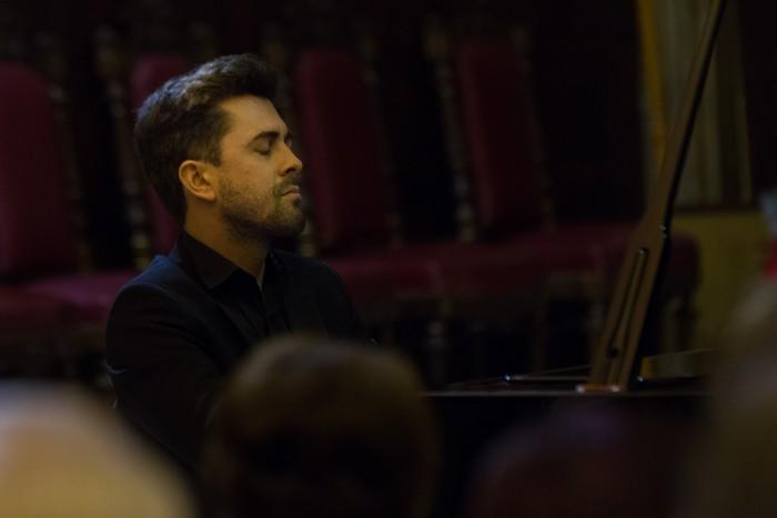 Antonio Oyarzabalek piano kontzertu jendetsua eskaini zuen atzo - 20