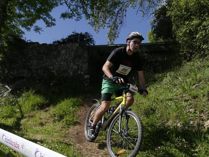 Zuriñe Frutosek eta Iñaki Isasik irabazi dute Aiarako Mendi Duatloia - 59