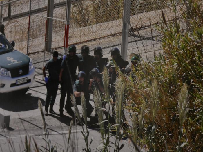 Errefuxiatuei buruzko erakusketa jarri dute Otueta Gizarte Etxean - 15