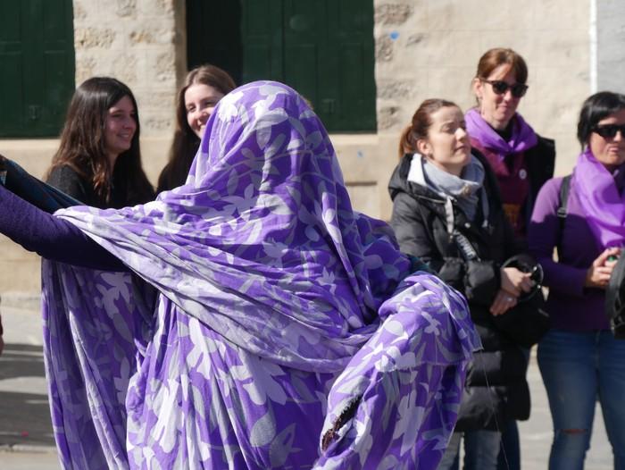 Ehunka emakume* grebalarik hartu dituzte Aiaraldeko kale eta plazak - 95