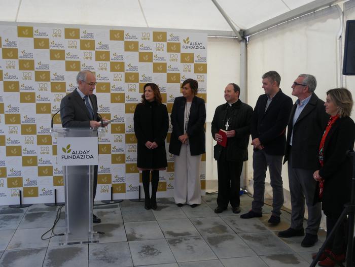 Gaur inauguratu dute Aiarako nagusien egoitza berria - 66