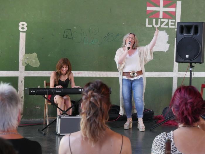 Feminismoz busti dute Orozko Aiaraldeko Emakumeen Topaketan - 24