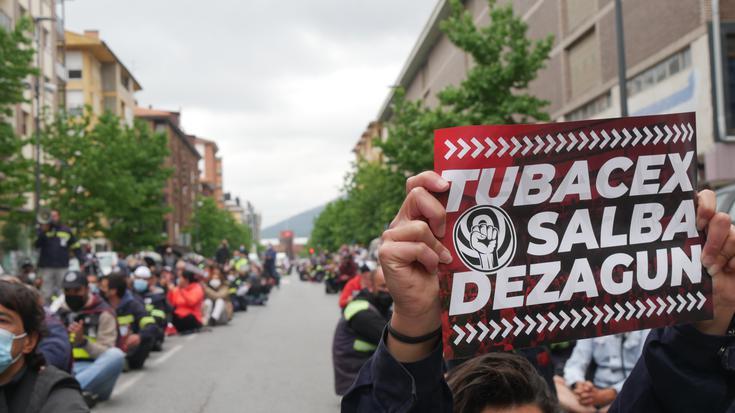 Eusko Jaurlaritzak Tubacexeko zuzendaritzaren presioen aurrean amore eman duela salatu du Enpresa Batzordeak