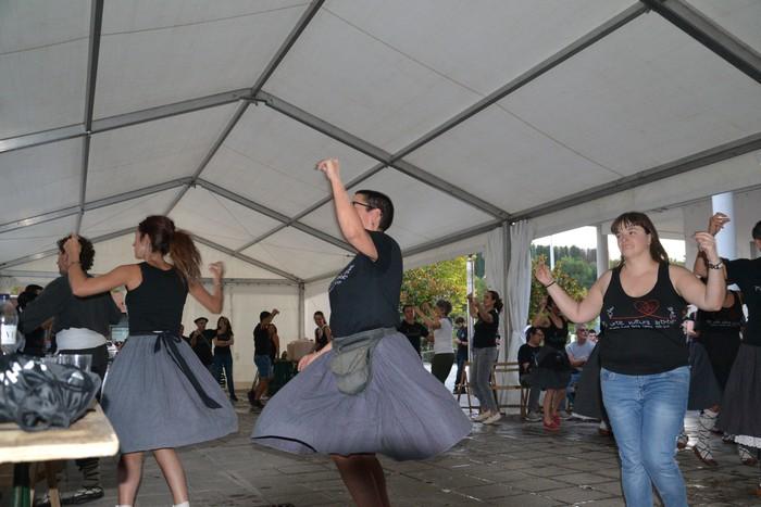 Untzueta dantza taldeak 35. urteurrena ospatu zuen atzo - 138