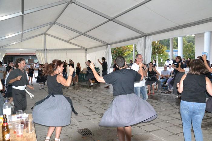 Untzueta dantza taldeak 35. urteurrena ospatu zuen atzo - 110