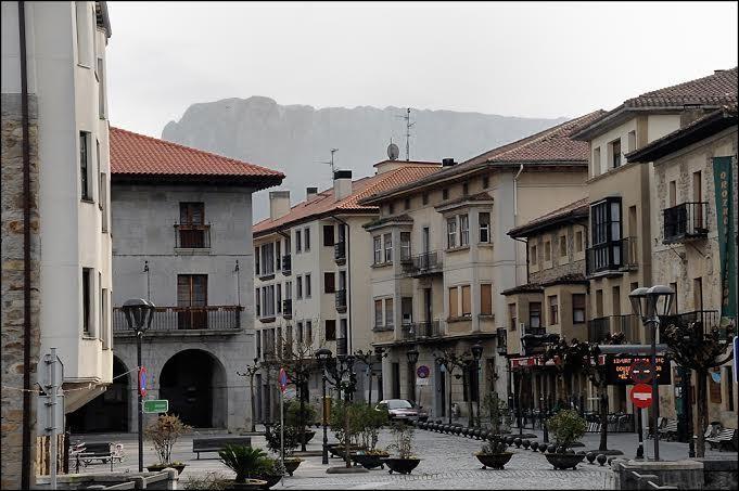 Santa Maria, Francisco Muñoz, Gorbeia kaleak eta Zubiaur Plaza berritzeko lanak
