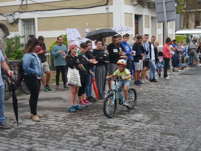 """""""Iturritik Iturrira"""" txirrindula lasterketak adin guztiko gazteen partaidetza izan zuen - 33"""