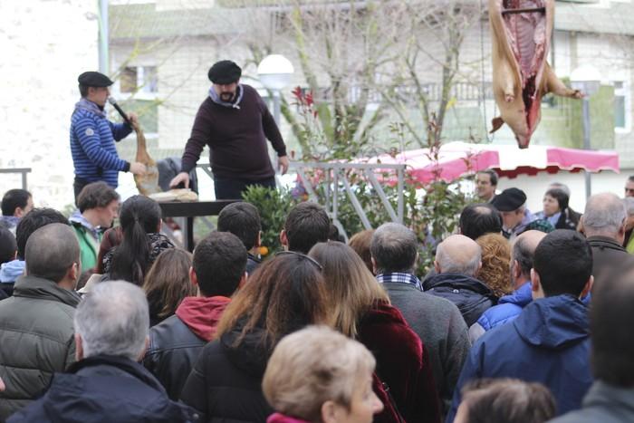 Ehunka ekoizlek eta bisitarik egin dute bat San Anton azokan - 42