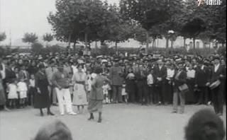 Santurtzi 1921 Ohorezko aurreskua emakumeen eskutik