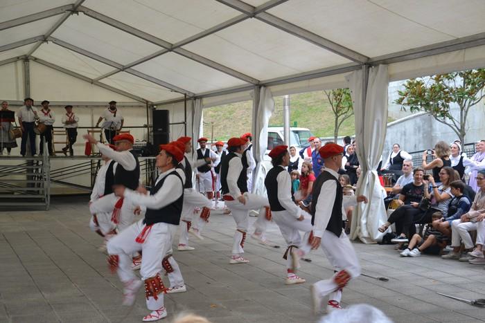 Untzueta dantza taldeak 35. urteurrena ospatu zuen atzo - 56