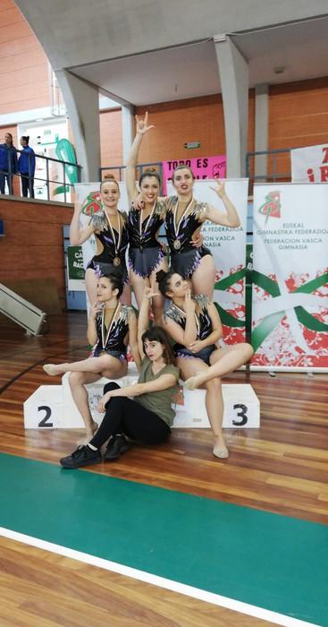 Domina ugarirekin Aresketako gimnastak Euskadiko Txapelketatik - 2