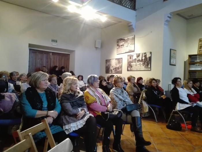 Eskualdeko talde eta elkarte feministei aitortza egin zieten Berdintasun topaketan - 2