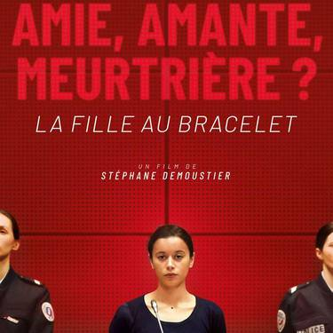 'La chica del brazalete'