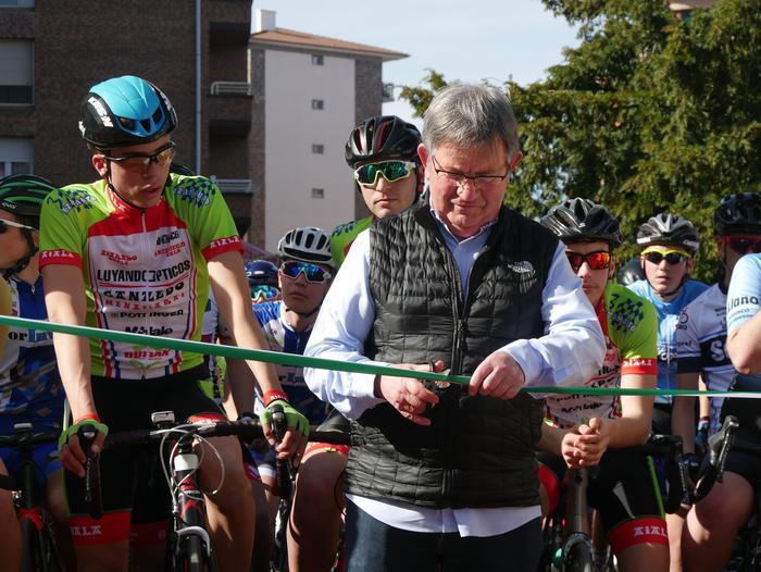 Pablo Fernandezek irabazi zuen sprintean Aiarako Birako lehen etapa - 3