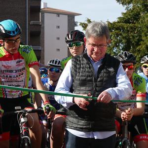 Pablo Fernandezek irabazi zuen sprintean Aiarako Birako lehen etapa