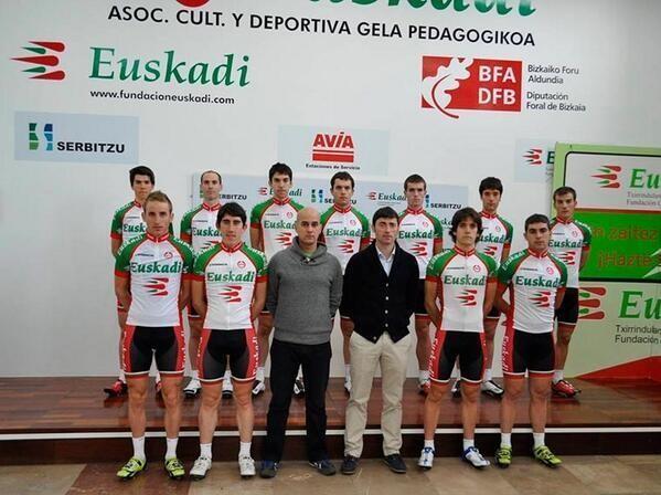 Amurrioko Jon Larrinaga eta Aritz Arberas Euskadi txirrindularitza taldean arituko dira aurten