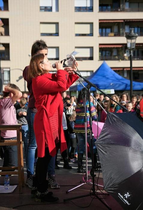 """ARGAZKIAK: """"Aiaraldea euskaldun!"""" lemapean konpromiso eta maitasunez bete da Amurrio - 66"""