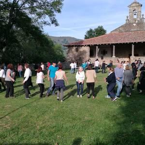 Baranbion eguraldi aparta, bertsoak eta musika izan zuten larunbatean Euskal Jaia ospatzeko