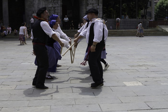 Eguzkilore dantza taldeak erakustaldia egin zuen igandean - 20