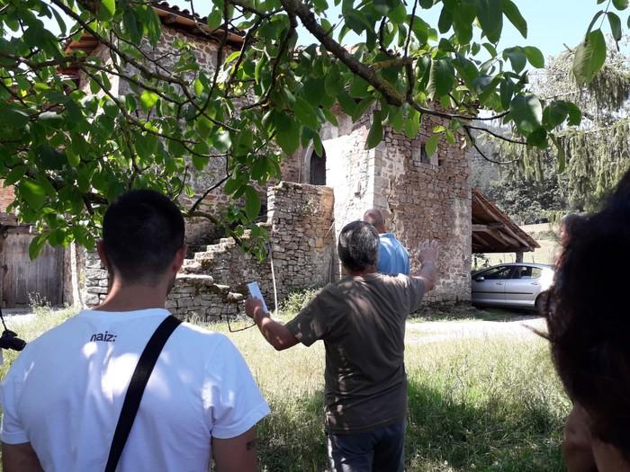 Zuhatzako historiari buruzko ibilaldia egin zuen Juanjo Hidalgok larunbatean - 5