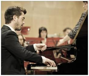 Antonio Oyarzabalek publikoaren sari berezia eskuratu du Campilloseko piano lehiaketan