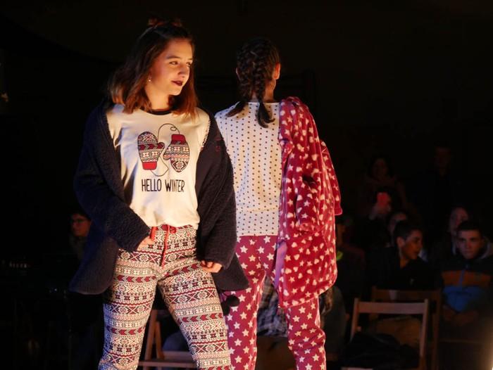 Ikasbidaia antolatzeko moda desfilea egin zuten ikastolan - 32