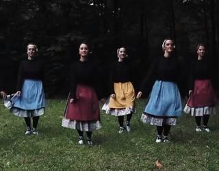 San Joan Astobitzakon ospatu du Akelarre Dantza Taldeak udako solstizioa