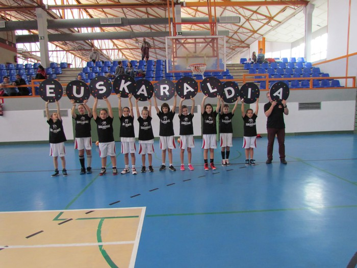 Sugarrak saskibaloi taldeko kideak ere Euskaraldiarekin bat! - 3
