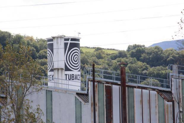 Bihar fabrikak berriro irekiko dituela jakinarazi die Tubacexek langileei