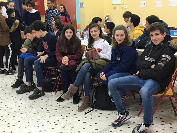 Atenasen daude Laudio BHIko ikasleak, Euskal Herria bertako gazteei erakusten - 12