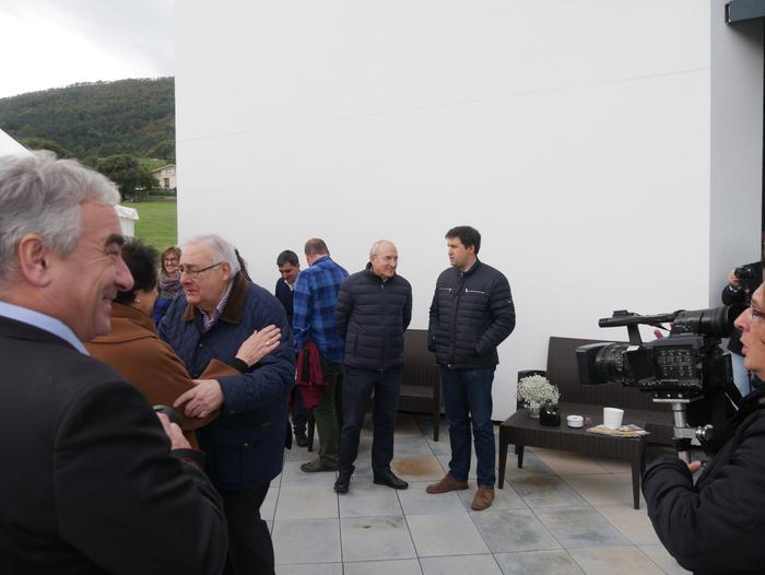 Gaur inauguratu dute Aiarako nagusien egoitza berria - 61