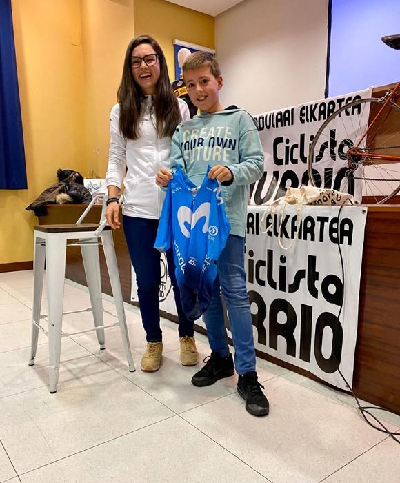 Lourdes Oyarbide Movistarreko txirrindulariak solasaldia eskaini zuen ostiralean Amurrion - 6
