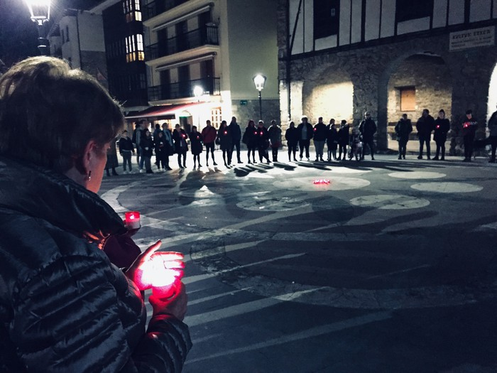 Indarkeria matxistaren aurkako aldarriz bete dituzte eskualdeko kale eta plazak - 96
