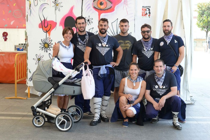 Aldai plaza txiki geratu da koadrilen bazkarian eta Laudio's Got Talent norgehiagokan - 119