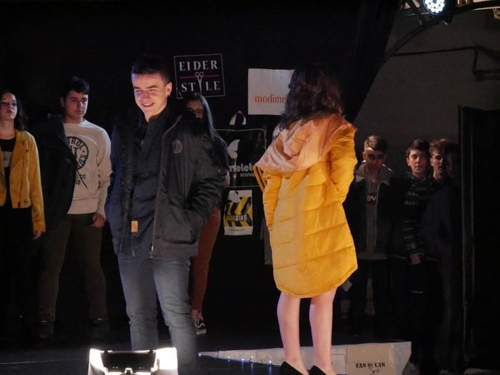 Ikasbidaia antolatzeko moda desfilea egin zuten ikastolan - 56