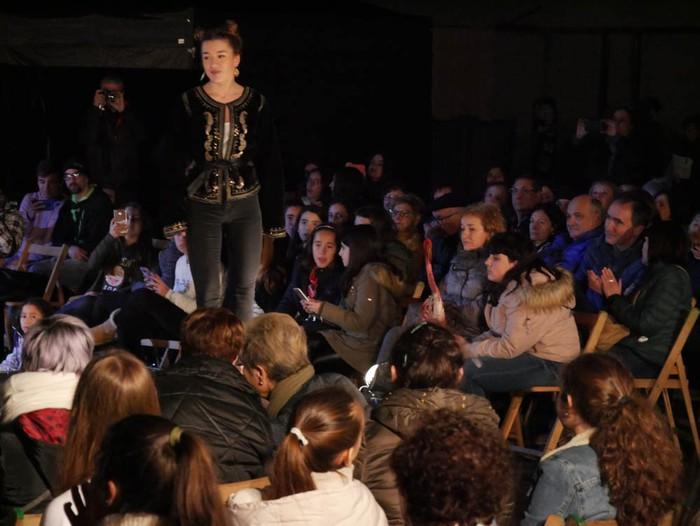 Ikasbidaia antolatzeko moda desfilea egin zuten ikastolan - 73