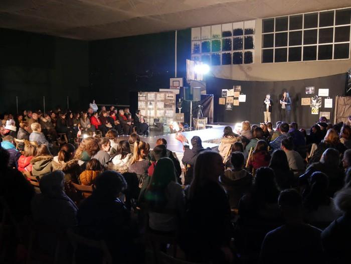 Ikasbidaia antolatzeko moda desfilea egin zuten ikastolan - 14