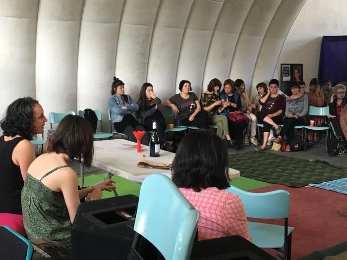 Aiaraldeko emakume feministen topaketa argazkitan - 26