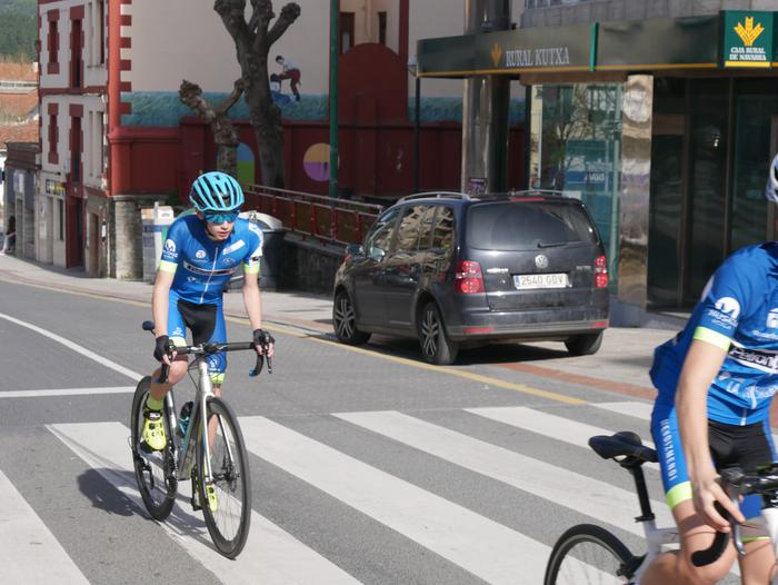 Pablo Fernandezek irabazi zuen sprintean Aiarako Birako lehen etapa - 50