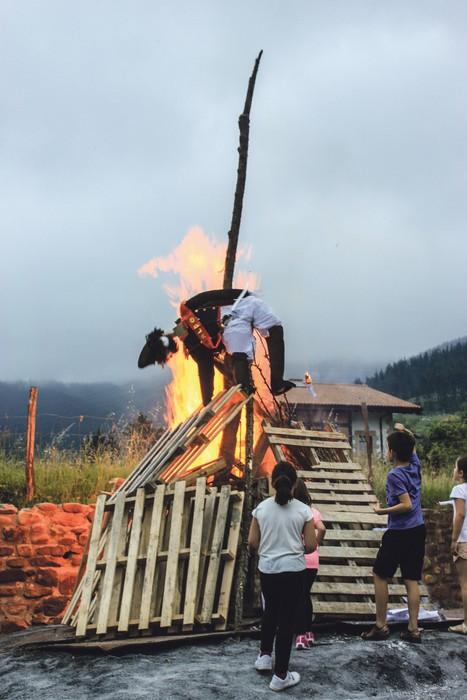 Espartero jeneralaren panpina erreta ospatuko dute udako solstizioa Arakaldon